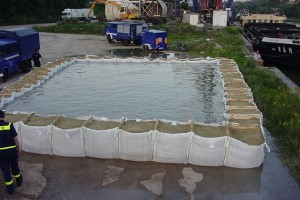 ESTHI | Solutions pour la prévention et la protection des inondations. Solutions pour la prévention et la protection des inondations, protection périphérique, régulation et rétention, vannes murales et aménagements hydrauliques.