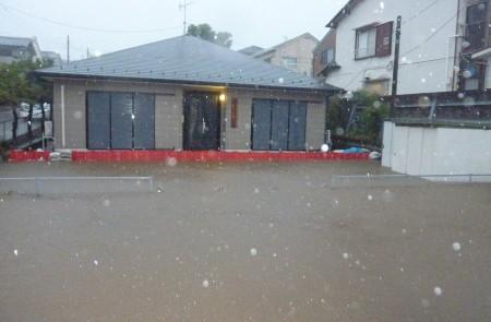 Batardeaux démontable et sans ancrage en action lors d'inondation