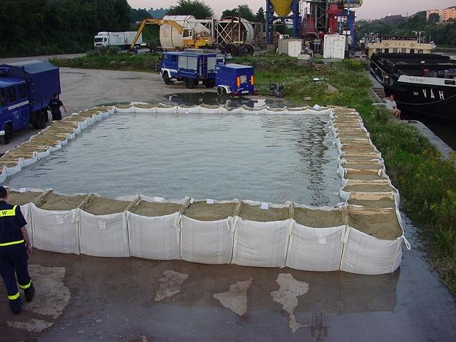 batardeaux de chantier protection des inondations esthi. Black Bedroom Furniture Sets. Home Design Ideas